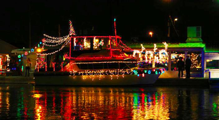 Lake Grapevine Christmas Light Boat Parade Dec 6, 6