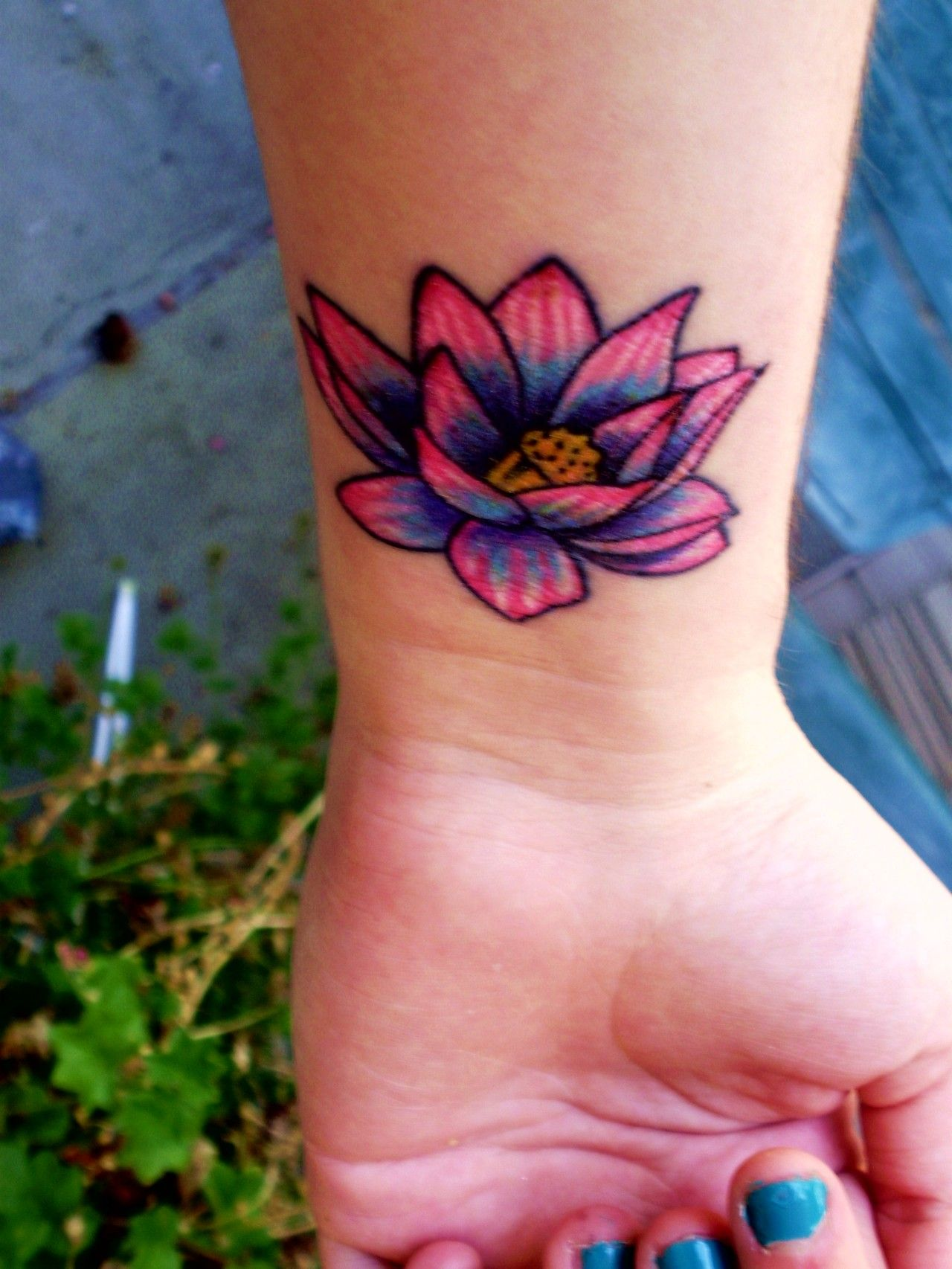 Flower Design On The Wrist Henna Tattoo: Lotus_Flower_Tattoo2 [ Colorful