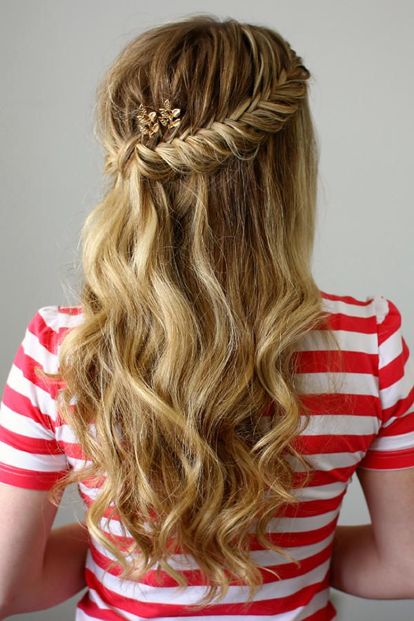 36 Curly Prom Hairstyles That Will Make Heads Turn Updos