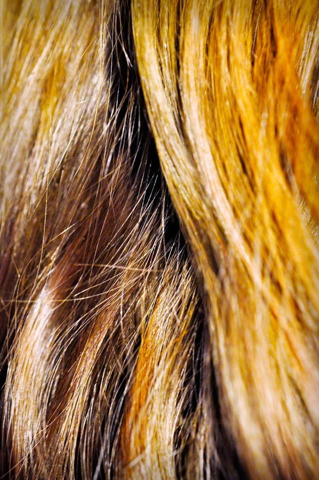 How to Lighten Your Hair Naturally: 7 Chemical-free Ways
