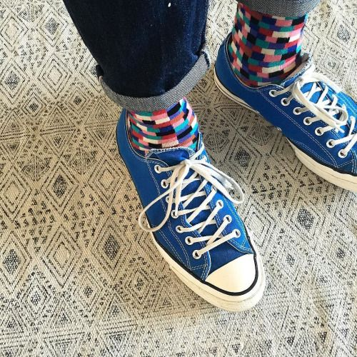 http://chicerman.com  selvedge-socks-shoes:  The sockgame is strong with this one #lvc #selvedge #selvage #1947 #levis #chucks #allstar #converse #denimhead #jean #jeans #drytillyoudie #drydenim #sockgame #sockhustle #sockgameonpoint #sockgamestrong #sockgamecrazy #heroesonsocks by @heroesonsocks  #menshoes