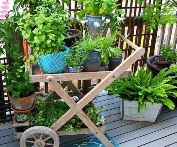 balkon bepflanzen praktische tipps und wichtige hinweise container gardening pinterest. Black Bedroom Furniture Sets. Home Design Ideas