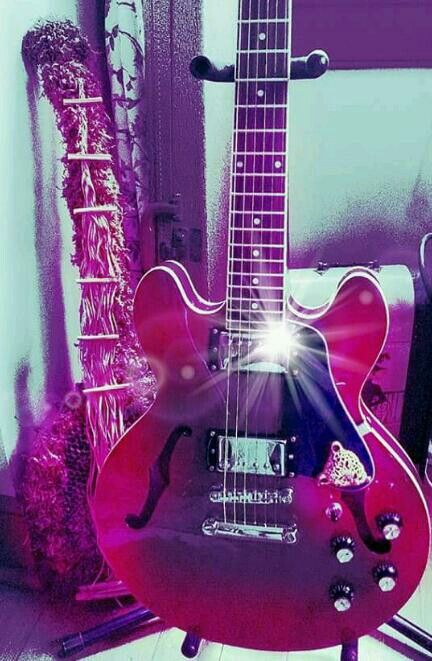 My new Epiphone ES339 PRO it had switchable vintage alnico