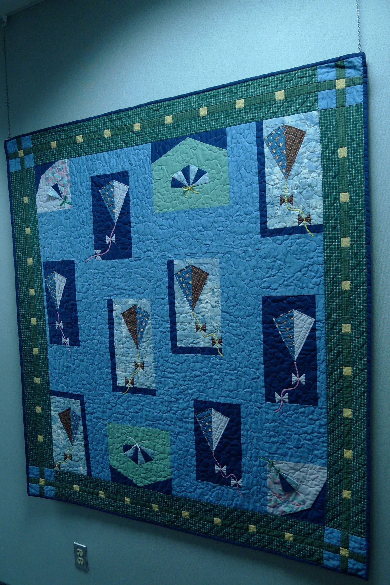 My Kite Quilt Hand Quilted