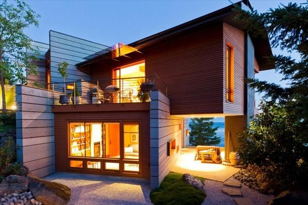 Modern And Cozy House At The Coast Of San Juan Island Freshnist Small House Design Best Small House Designs Contemporary House Design