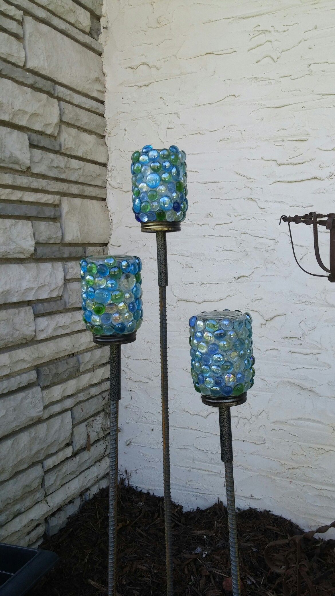 Flat glass marbles crafts - Mason Jar Solar Lights Decorated With Flat Glass Marbles