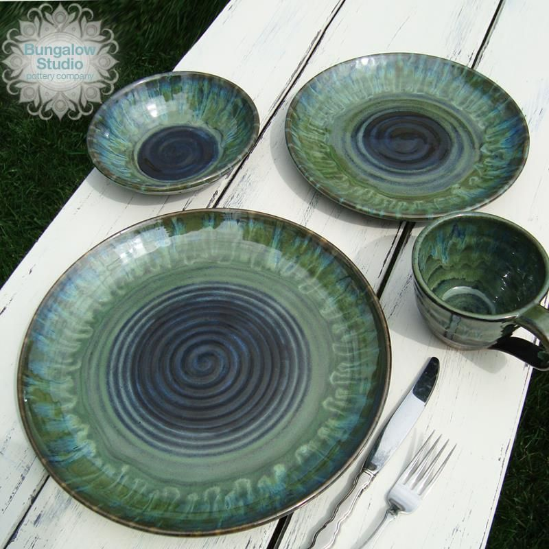 Pc blue midnight x2 with seaweed x2 and oatmeal on the rim for Cool pottery designs