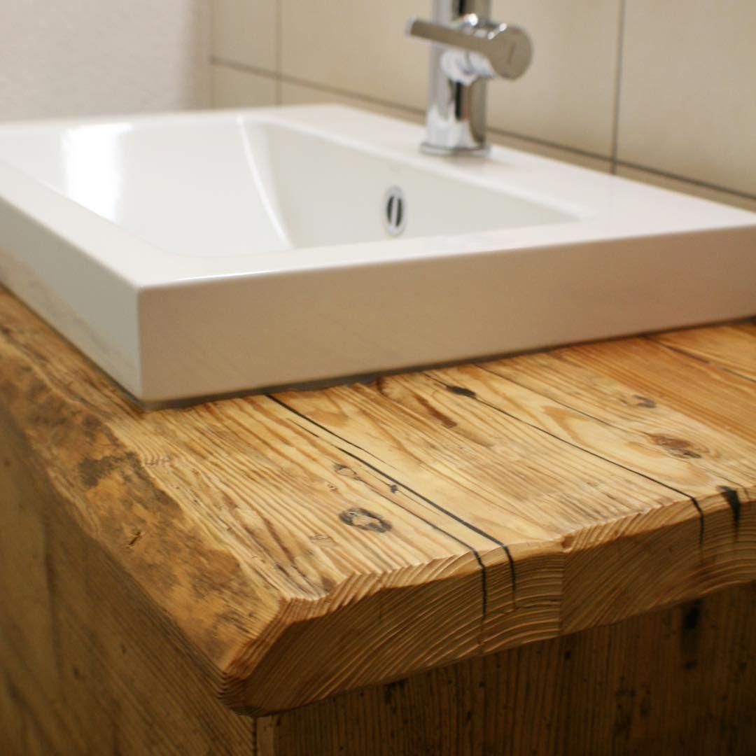 Detailverliebt Massiver Waschtisch Aus Altholz Massivholz Badezimmer Waschtisch Badezimmer Renovierungen