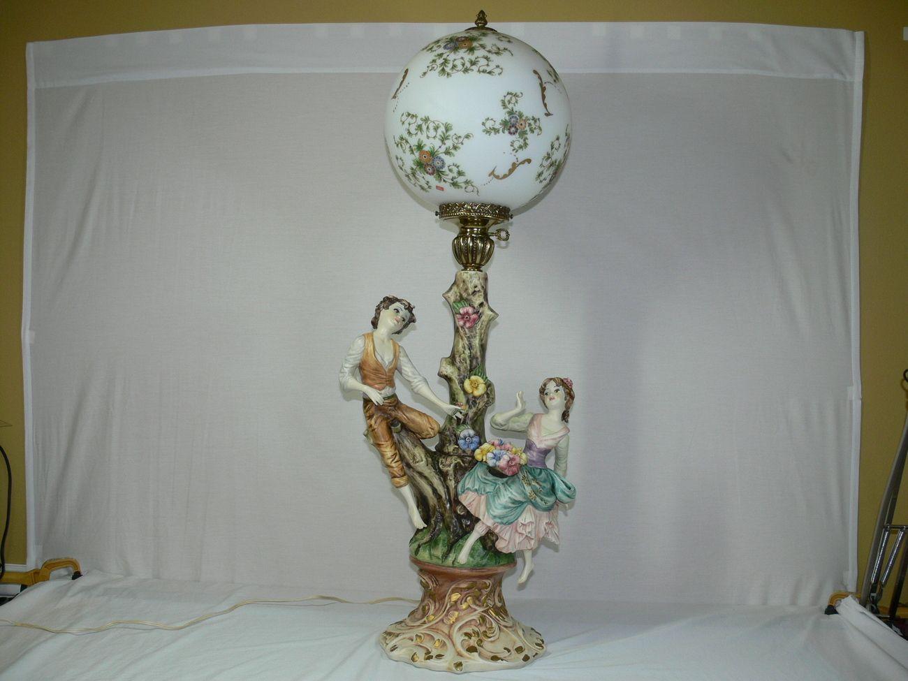 Beautiful Vintage Large Capodimonte Figurine Table Lamp adorned ...