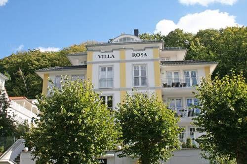 Villa Rosa - Ferienwohnung Meereszauber mit 2 Dachterrassen Sellin (Ostseebad) Located 400 metres from Amber Museum Sellin, Villa Rosa - Ferienwohnung Meereszauber mit 2 Dachterrassen offers accommodation in Ostseebad Sellin.
