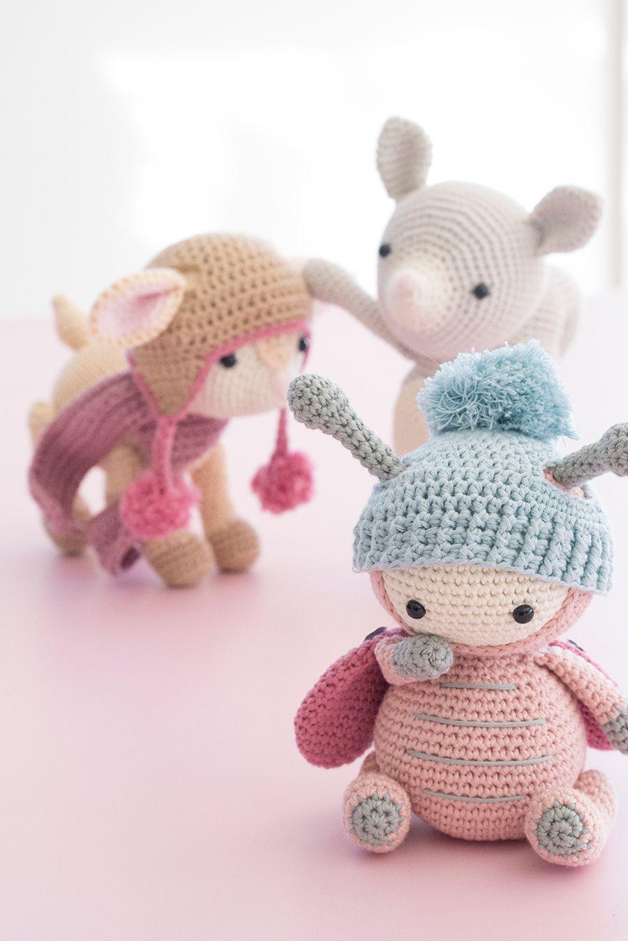 Amazon.com: Easy Amigurumi: 28 Doll Patterns (Sayjai's Amigurumi ... | 1347x900