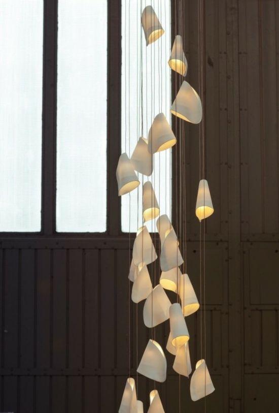 Luminaire suspension exceptionnel en porcelaine ultra fine light lumi re proche des toiles - Luminaire suspendu chambre a coucher ...