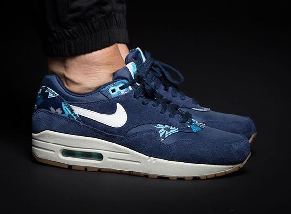 nike air max 1 essential deep royal blue & white wedding