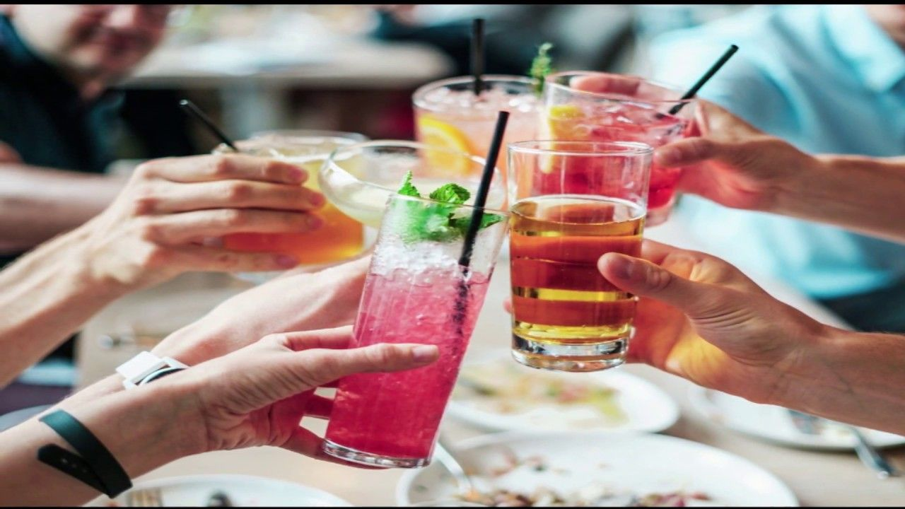 Top Summer Drinks That Keep You Cool Drinks That Keep Your Body Cool In In 2020 Alcoholic Drinks Peach Vodka Alcohol