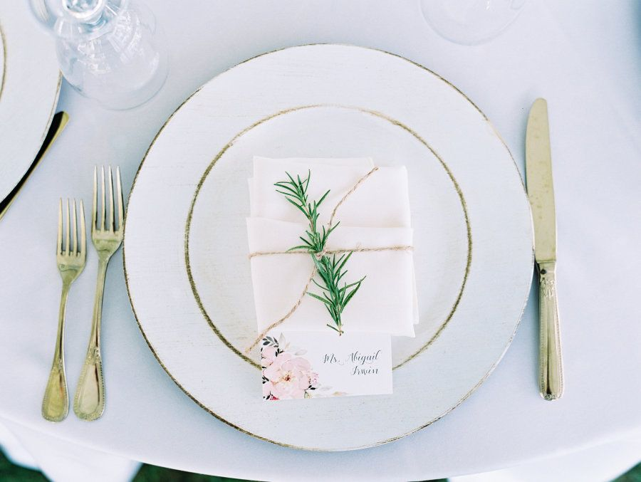 Romantic Wedding Tablescape Photography : Lauren Kinsey | Event Planning : Its a Shore Thing Read More on SMP: http://www.stylemepretty.com/2016/07/21/seaside-florida-little-white-chapel-wedding/