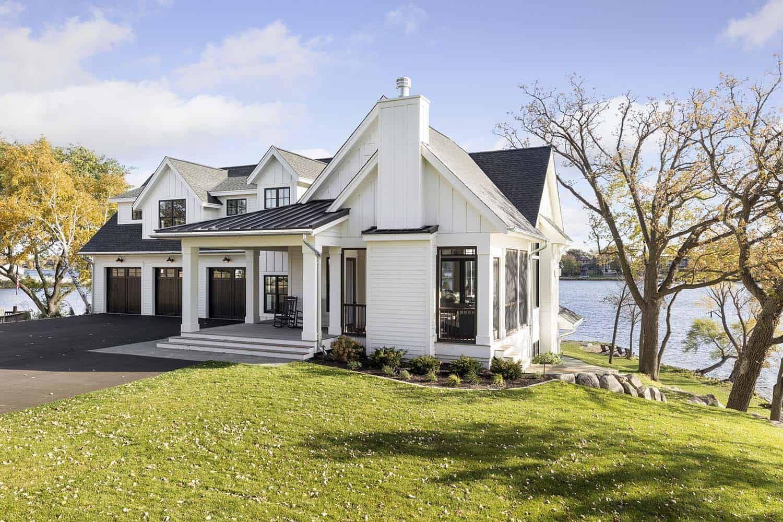 Gorgeous Farmhouse Style On Lake Minnetonka With Nautical Accents Lake Houses Exterior Farmhouse Style House Lake House Plans