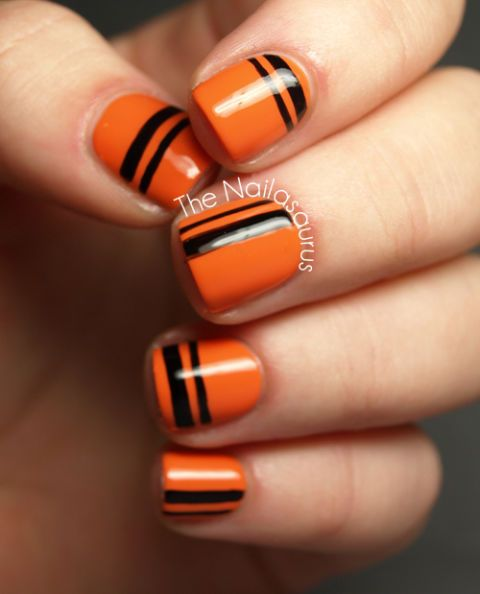 50 Fun Creepy And Kooky Nail Art Ideas For The Halloween Obsessed Gel Nail Art Designs Halloween Nail Designs Nail Art Stripes
