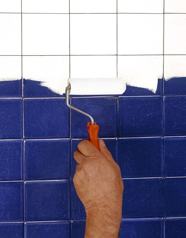 Repeindre carrelage salle de bain  les 3 erreurs à éviter avec la - Peindre Du Carrelage Mural De Cuisine