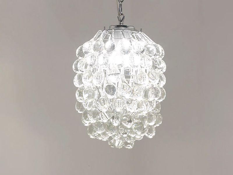 las lmparas de cristal son elementos de iluminacin colgantes del techo que reciben electricidad y por un efecto de las piedras que componen la lmpara en - Lamparas De Techo De Cristal