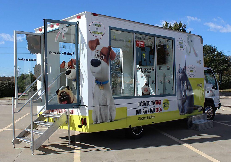 Custom Glass Box Trucks Experiential Vehicles Lime Media Glass Boxes Custom Glass Event Logistics