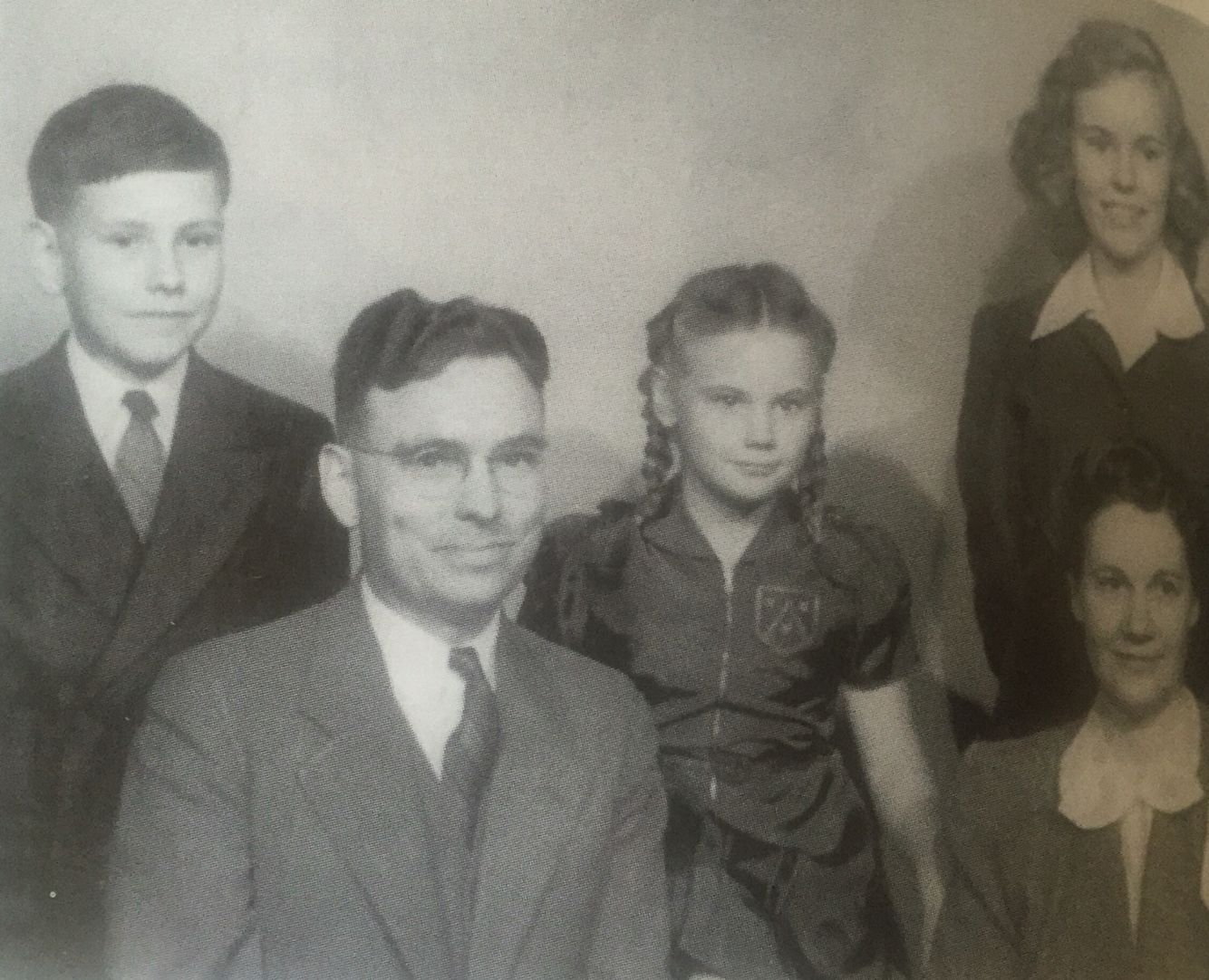 best images about warren buffett bill gates warren buffett age 12 on the far left warren his father howard