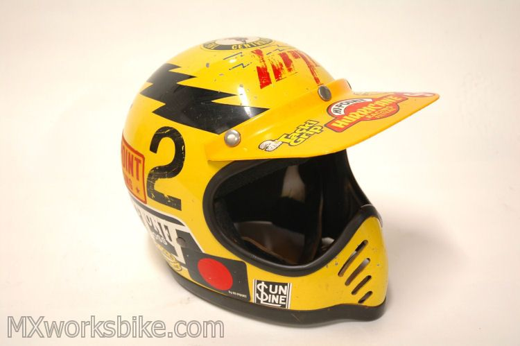 Pin By Helmet Man On Brain Buckets Vintage Helmet Cafe Racer Helmet Motocross Helmets