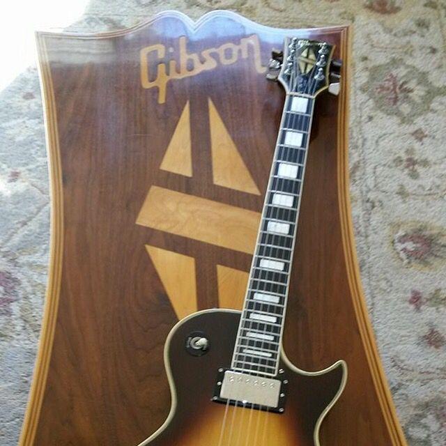 Nice Coffee Table! #gibson #gibsonlespaul #guitar #electricguitar