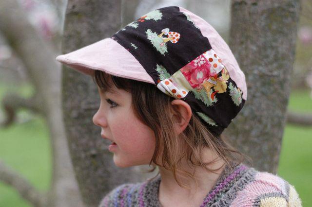 Free sunhat pattern.   Schirm, Shorts und Mütze