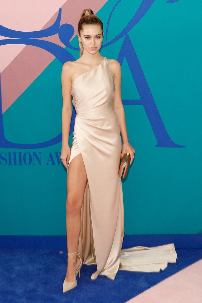 ce747820ae8 All The Looks From the 2017 CFDA Awards