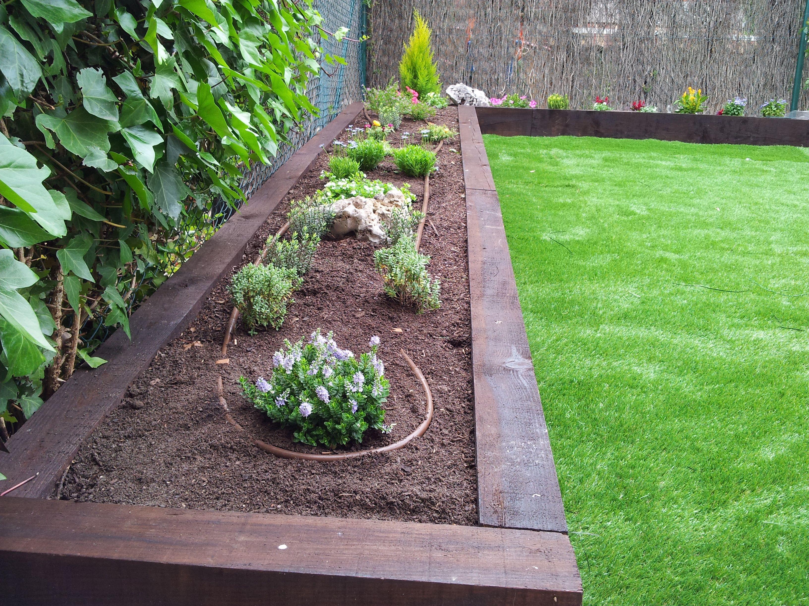Traviesas jardin buscar con google proyectos que debo for Diseno de jardines pequenos sin cesped