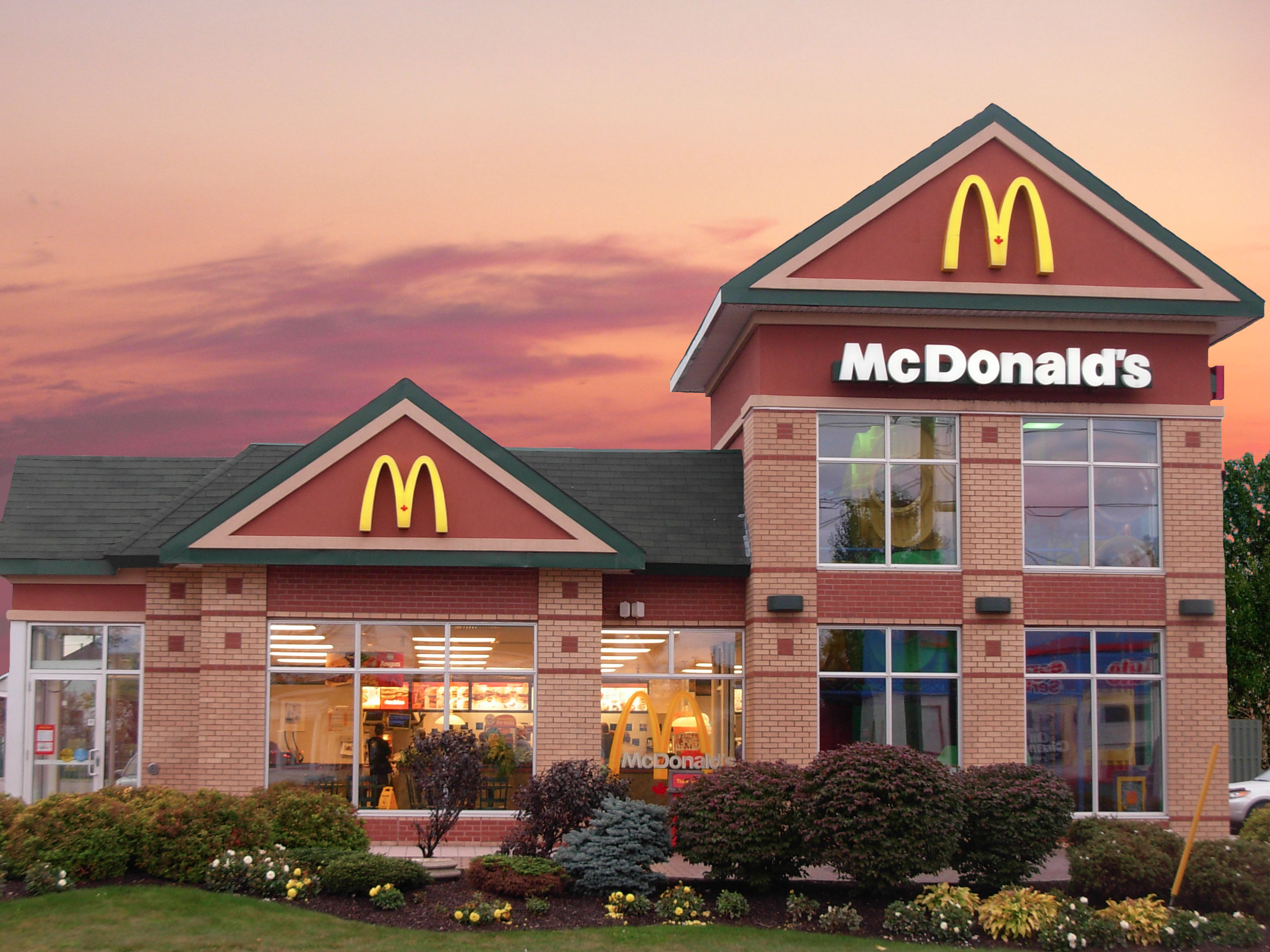 mcdonalds-is-becoming-a-better-place-to-work.jpg (2888×2166)