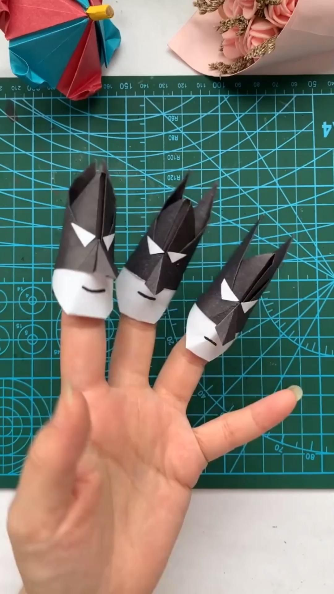 DIY Batman Paper Finger Puppet Origami Tutorial
