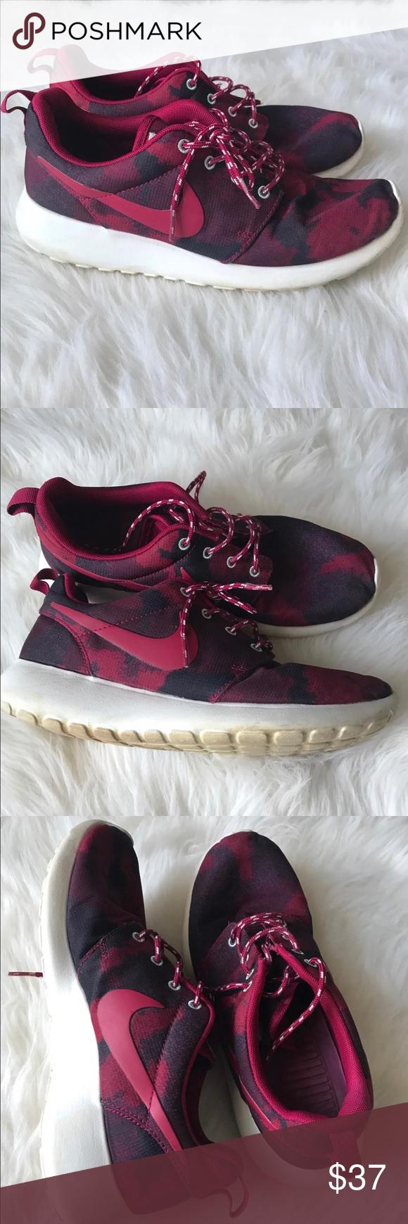 Nike burgundy Roshes Sz 8 | Nike women
