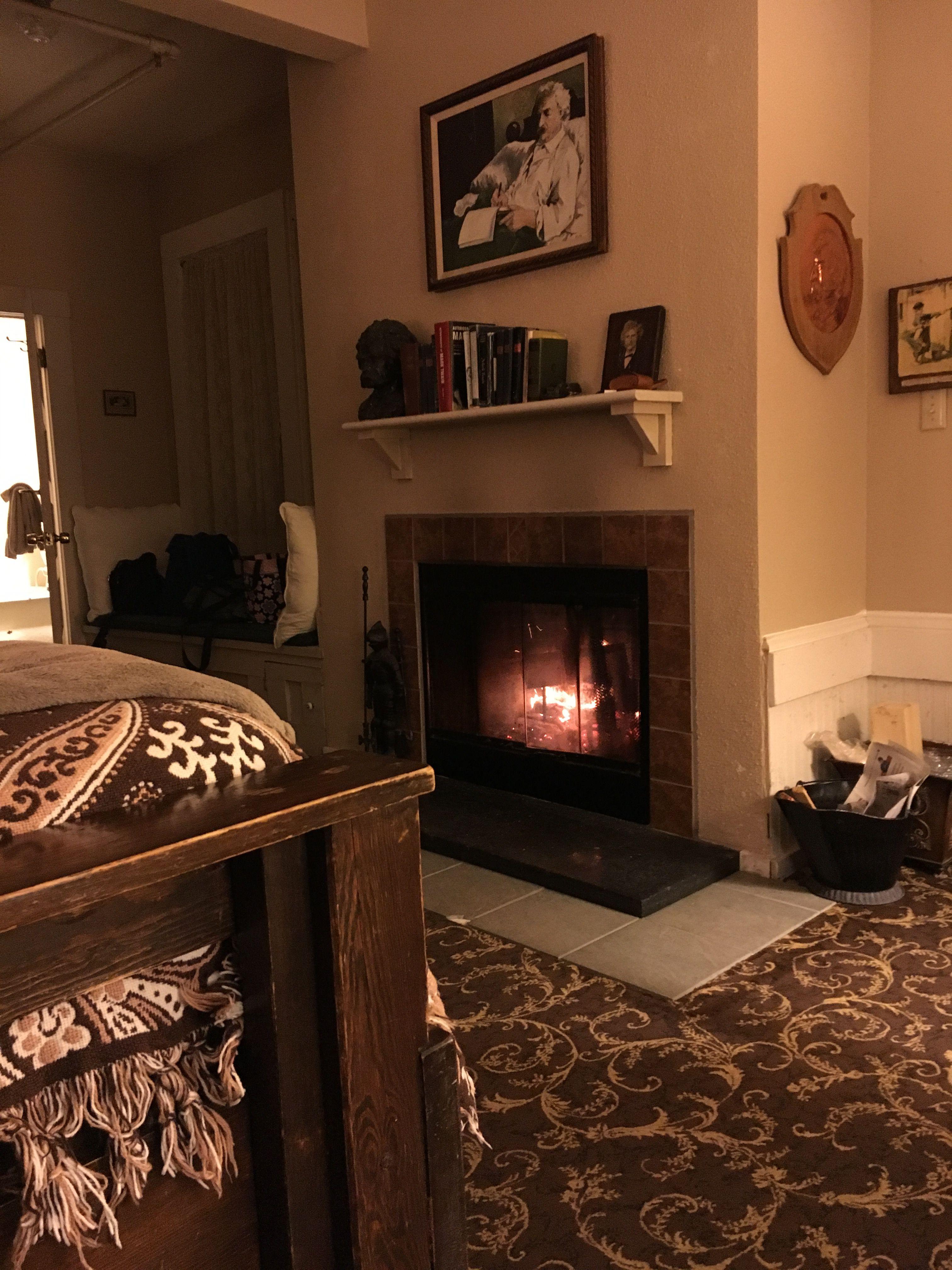 Cozy Fire in Mark Twain Beach hotels, Hotel, Decor