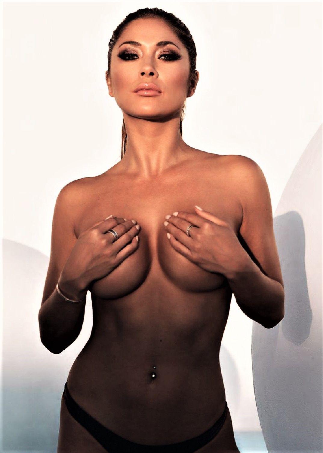 Cleavage Amelia Jane naked (12 photo), Ass, Paparazzi, Boobs, cleavage 2017