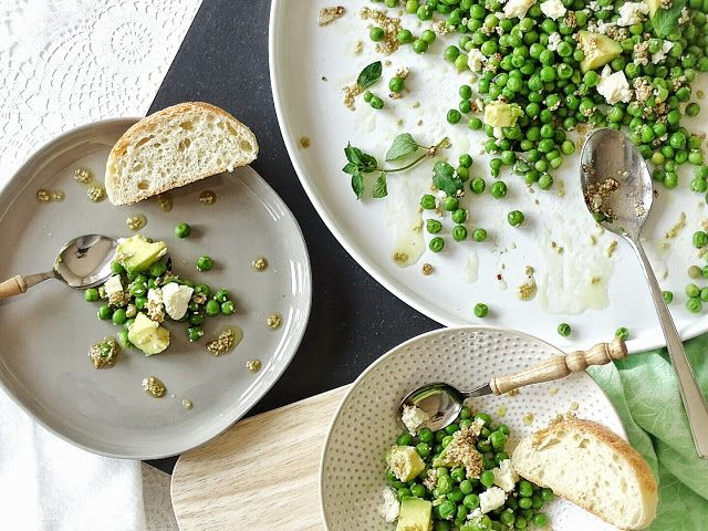 Auf der Mammilade|n-Seite des Lebens: Grün und lecker | Erbsen-Avocado-Salat mit Limette, Minze, Sesam & Feta | Rezept, salad