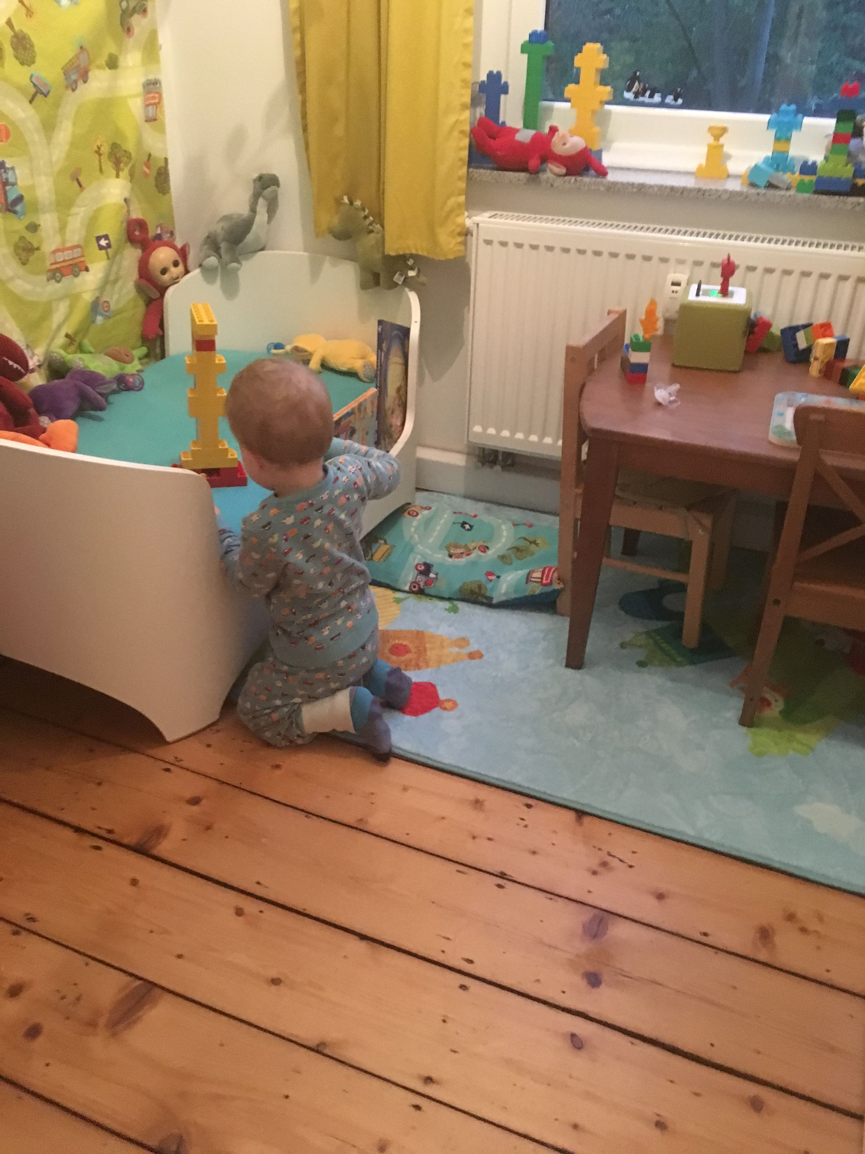Kinderzimmer auf 7m2 Tiny Room Leanderbett, Wandbehang
