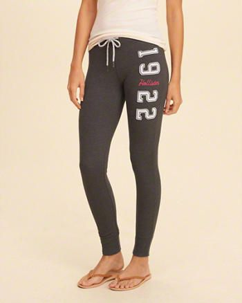 db7365231d2729 Hollister Graphic Fleece Leggings   What my dueters outfits and ...