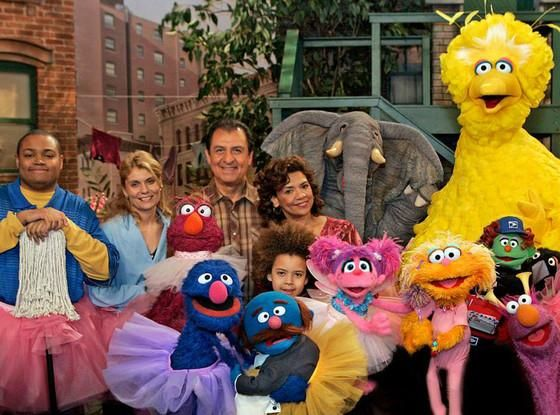 Sesame Street's @SoniaMManzano on saying goodbye to Maria, fave memories & more! http://www.eonline.com/news/672763/sonia-manzano-on-retiring-from-sesame-street-favorite-memories-and-missing-oscar-the-grouch …