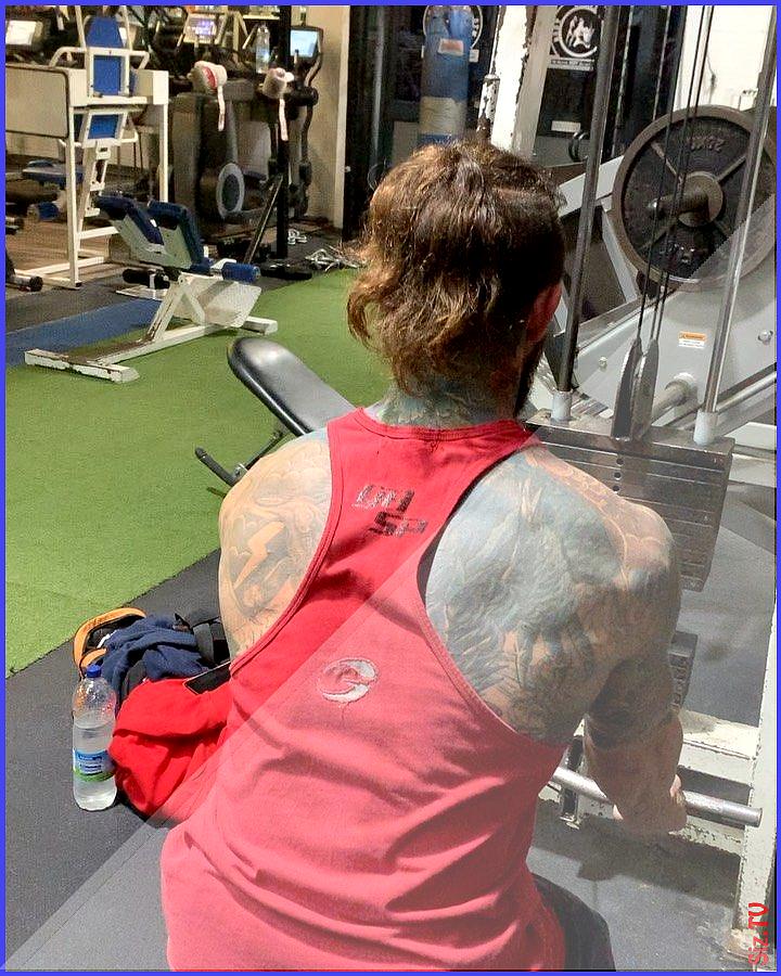 Smashing back with amyy martinn at bodylimitgym gym health fitness training bodybuilding bulking mus...