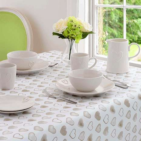 Country Heart Round PVC Tablecloth | Dunelm