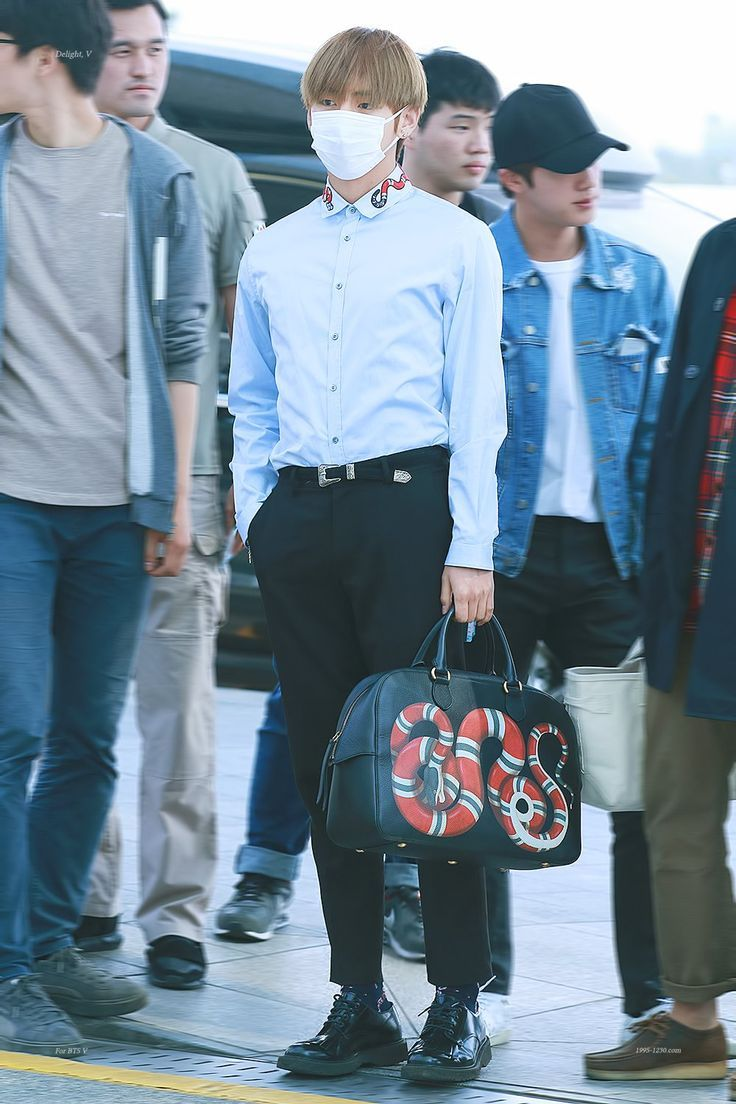 Bts V S Gucci Airport Fashion Makes Him Look Like A Rich Ceo S Son Koreaboo Bts Inspired Outfits Fashion Taehyung Gucci