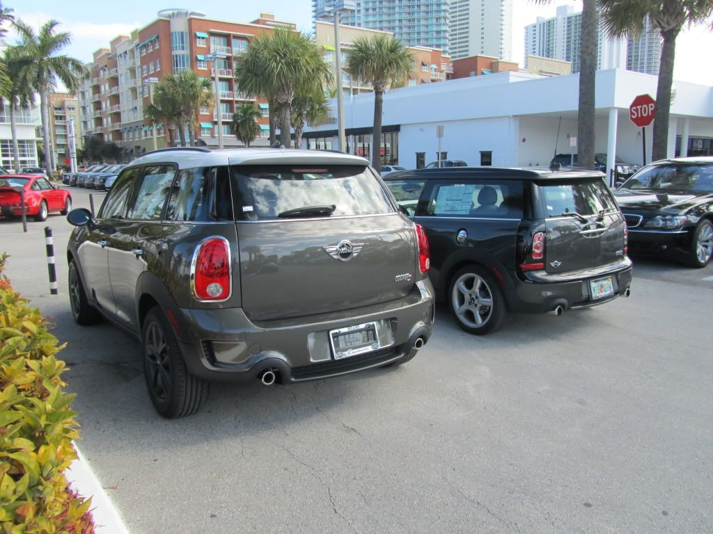 mini cooper s countryman vs mini cooper s clubman mini cooper clubman pinterest mini. Black Bedroom Furniture Sets. Home Design Ideas