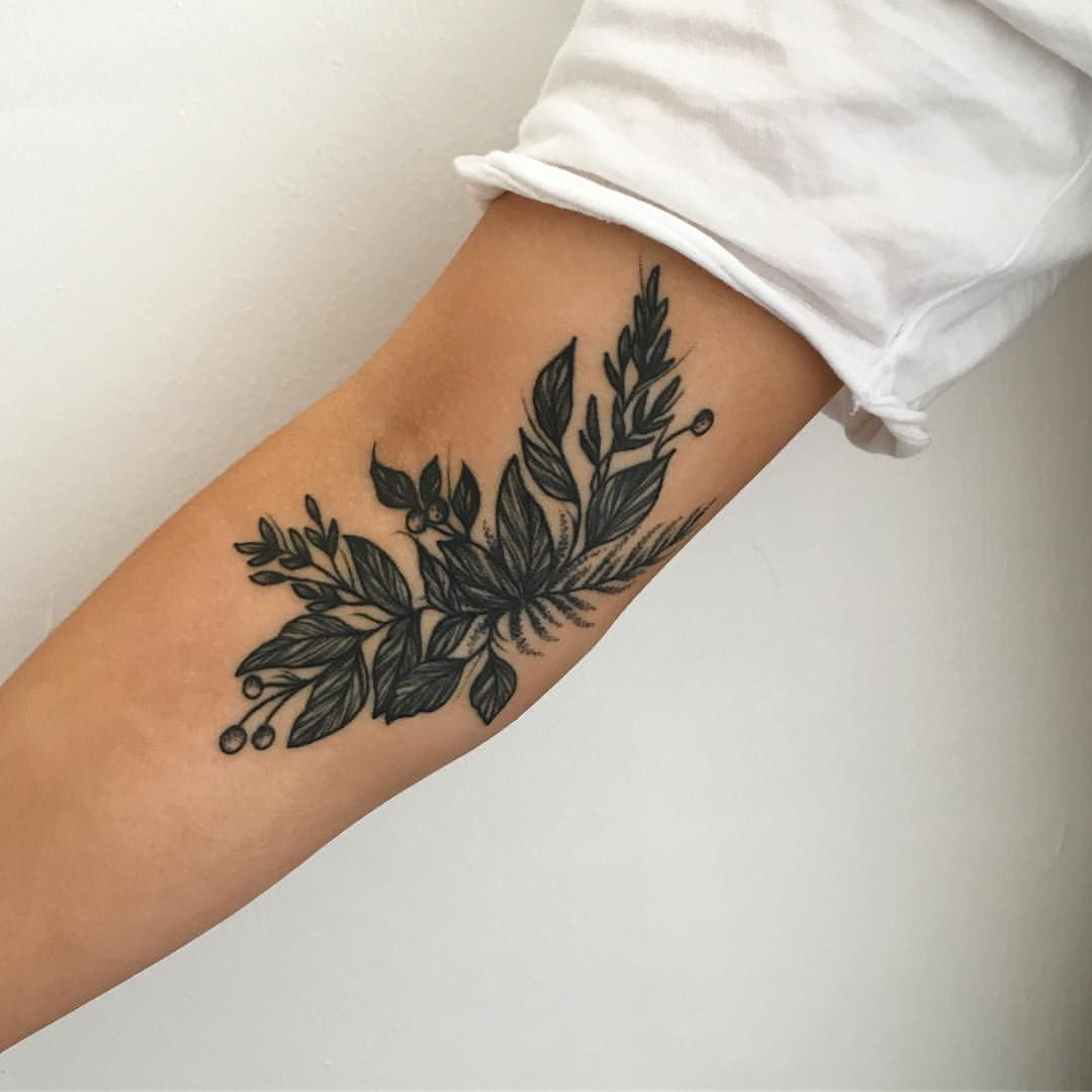 "@j_nooodle on Instagram: ""Got a healed picture of @oliveelizahendy healed tattoo, she also brought me the sickest plant as a birthday present 🌿🌿🌿🌿 what an utter…"""