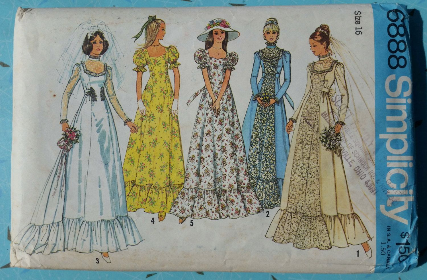 1970s Bridal Gown Pattern Detachable Train Puff Sleeves