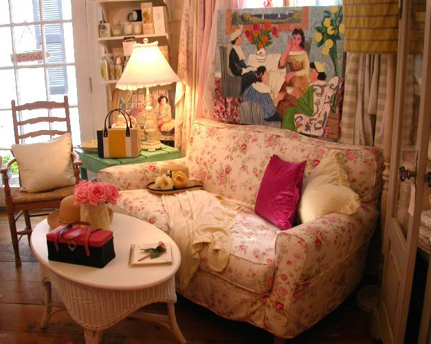 Amazing Cottage Sofa 8 Shabby Chic Country Cottage Floral Sofa Decorating Inspiration