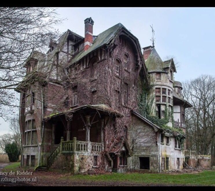Lovely Dilapidated Victorian Mansion