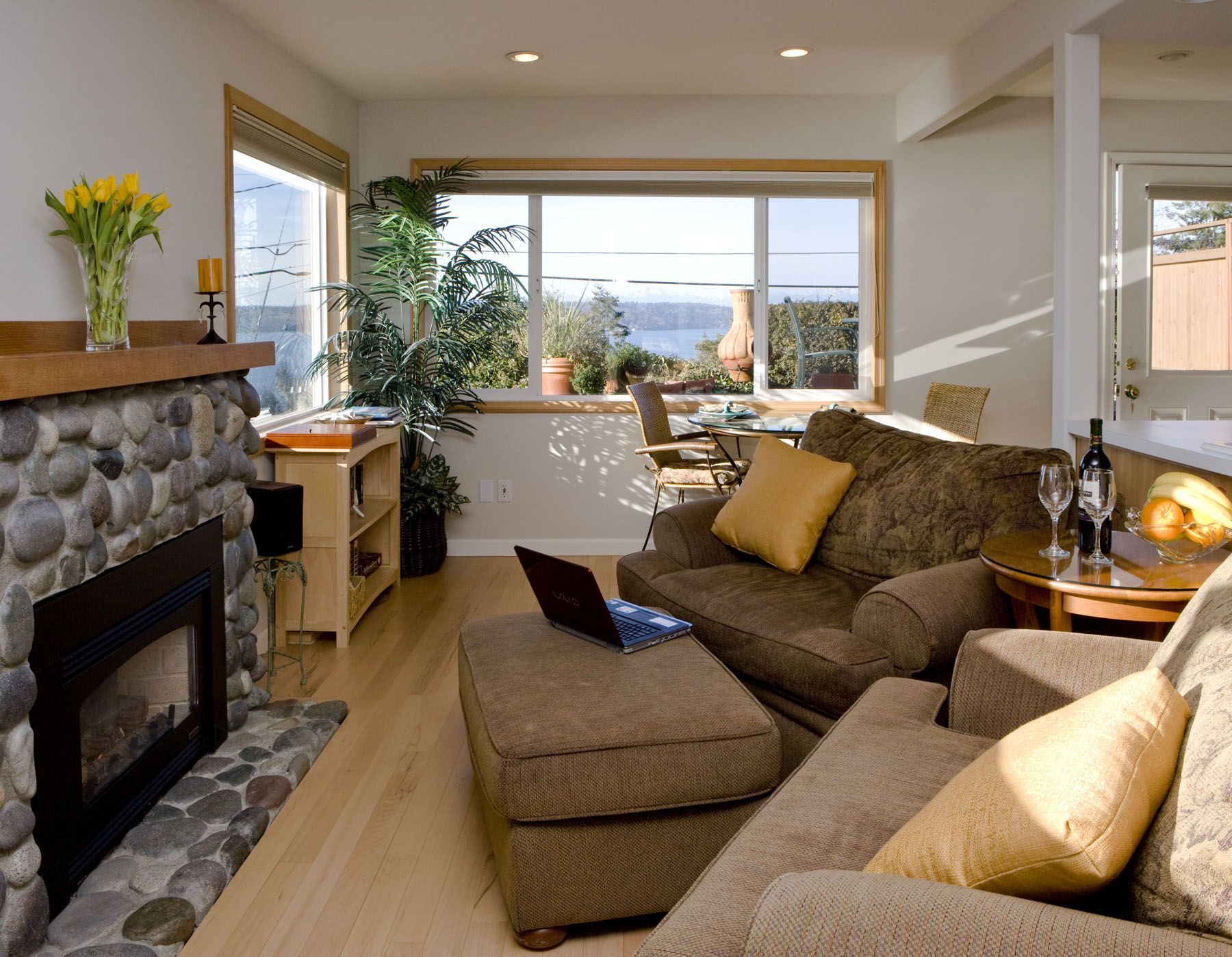 Three Tree Point Bed and Breakfast, Seattle, WA Bed and