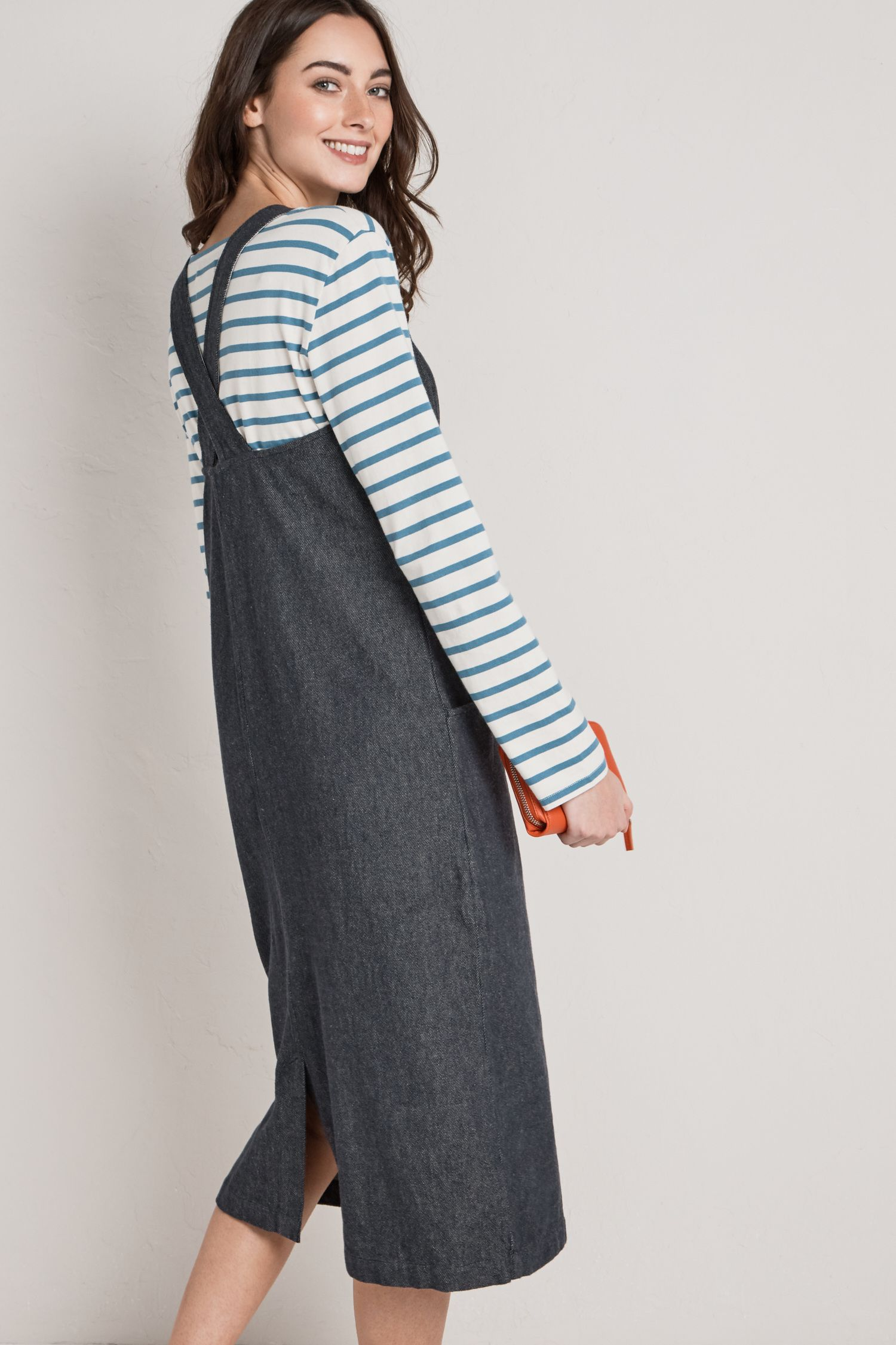 51ed40726844 The Seasalt Chywoone Dress is a relaxed fit ladies' pinafore dress with a  studiowear feel. This midi dress is made from soft, textured yarn-dyed  cotton ...