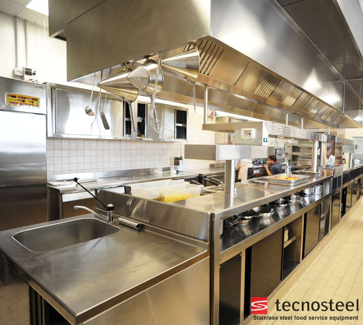 Restaurant kitchen. Customized and modular units.  Commercial